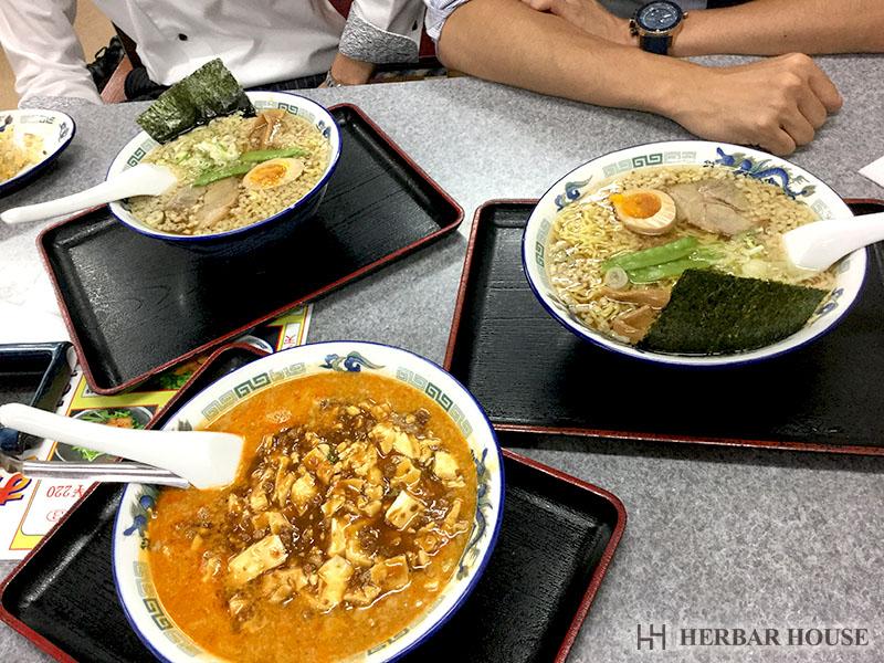 ハーバーハウス不動産部 中村 先輩方と夕食!