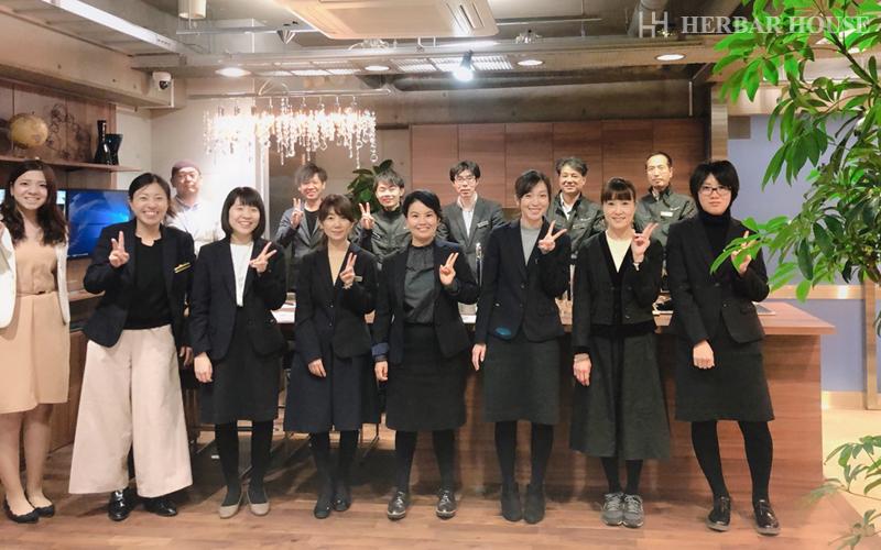 ハーバーハウス新入社員ブログ 新メンバー、新制服、それから…?